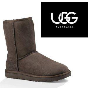 UGG Classic Short - Size 5
